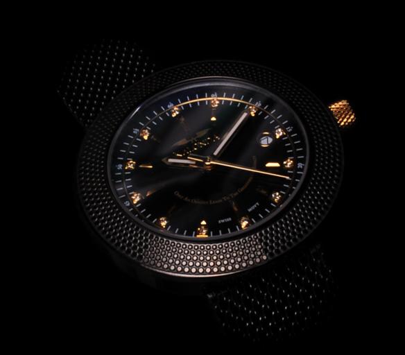 Royal black - watch for her side shot black