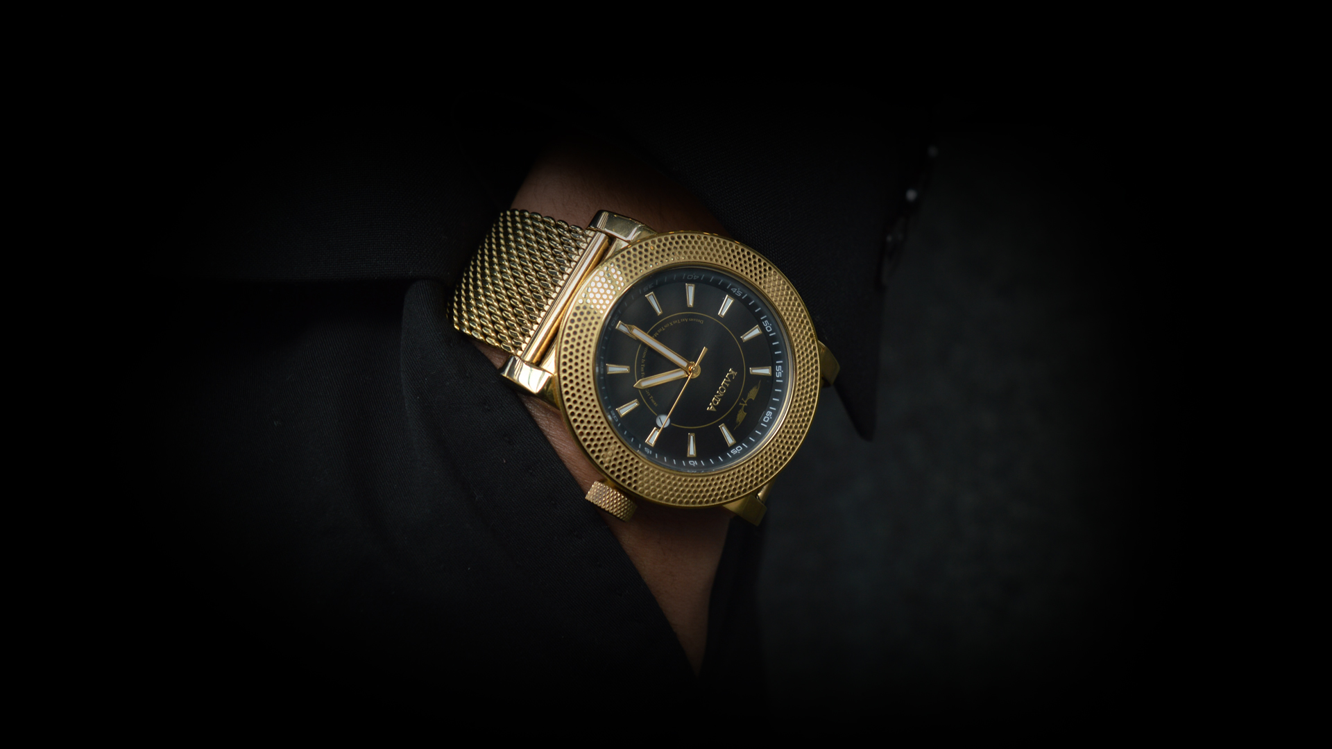 Kalonda - The Royal Gold Watch in suit pocket